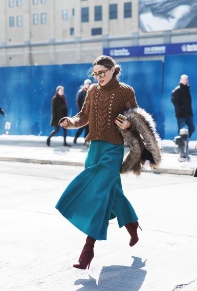 Что носить зимой: длинные теплые юбки на все случаи