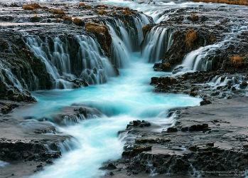 От силы и энергии этих водопадов у вас завибрирует даже мышка