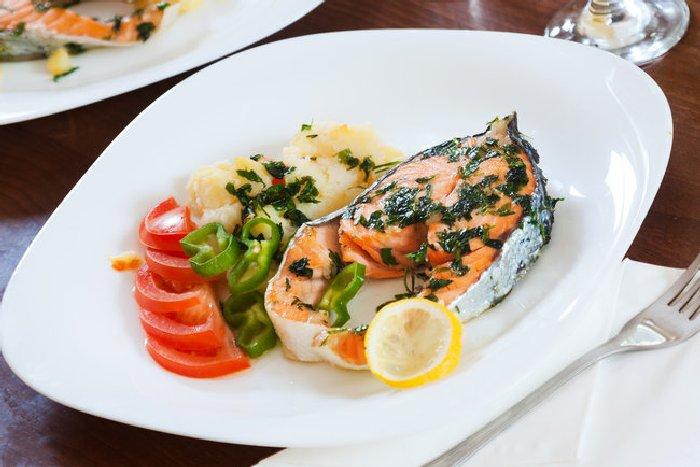 Запечённый лосось.  Фото: segodnya.ua.