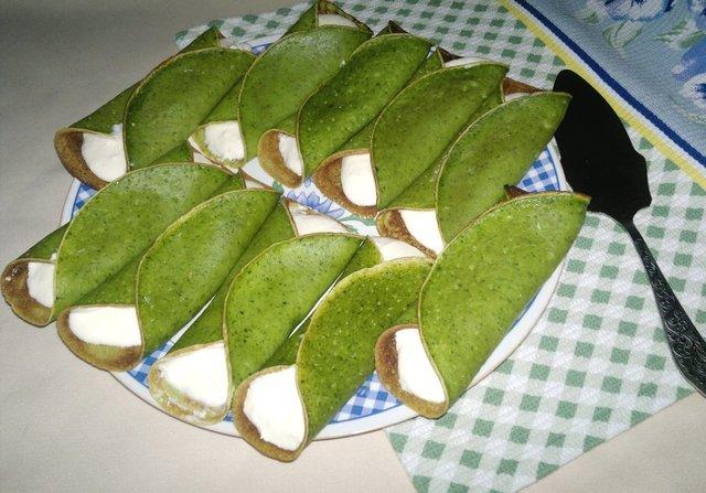 Фото к рецепту: Шпинатные блинчики с сырным кремом #масленица2021