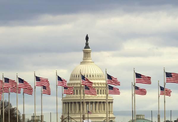 Обратный эффект: США помогли России накопить 450 миллиардов долларов