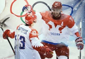 Русские флаги за «Красную ма…