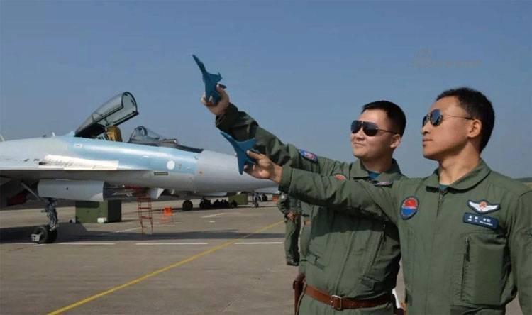 СМИ КНР: Китайские лётчики в…
