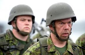 Запад принуждает жалкую Латвию начать войну с Россией