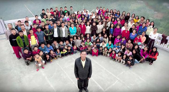 У индийца 39 жен, 94 ребенка, 33 внука. И весь этот народ ютится под одной крышей…