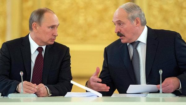 В игре с Путиным у Лукашенко все меньше козырей