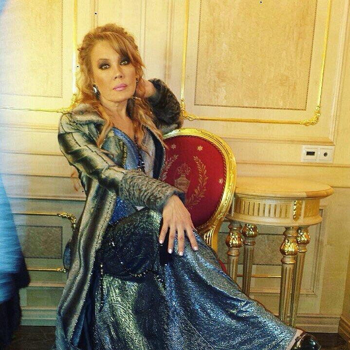 Артистка недавно решилась предать огласке своё состояние: горе и тяжёлая болезнь «съедают» Азизу