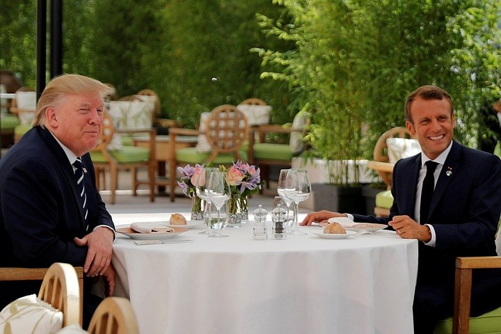 В США решили, что Макрон пытался «оказать давление» на Трампа