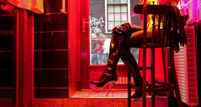 Туристов в «квартале красных фонарей» обяжут вести себя прилично