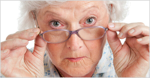 Сердобольные бабушки. Бежать от таких надо!