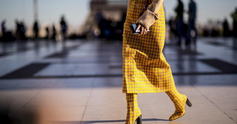 Юбка зимой: с чем носить, чтобы не превратиться в сосульку