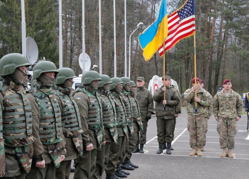 Украина дождалась — Соединенные Штаты начали поставку оружия в страну