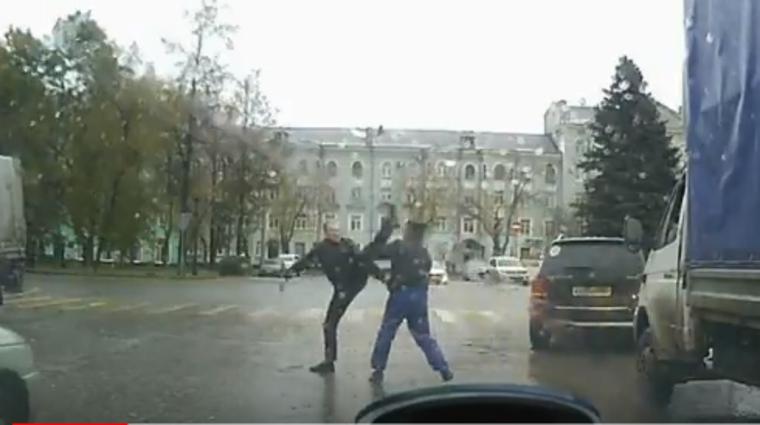 В Перми два водителя рассмешили интернет своей дракой: «Трек хороший, а ребята — так себе»