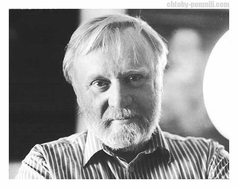 Востоковед Можейко Игорь Всеволодович.Он же писатель-фантаст Кир БУЛЫЧЁВ-творец Алисы