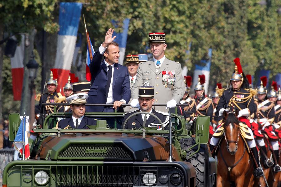 Франция не хочет делиться с Германией. И с ЕС