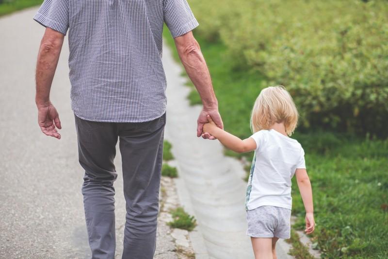 Пусть дочь отдаст ребенка от…