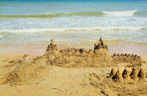 Путинские замки из карибского песка