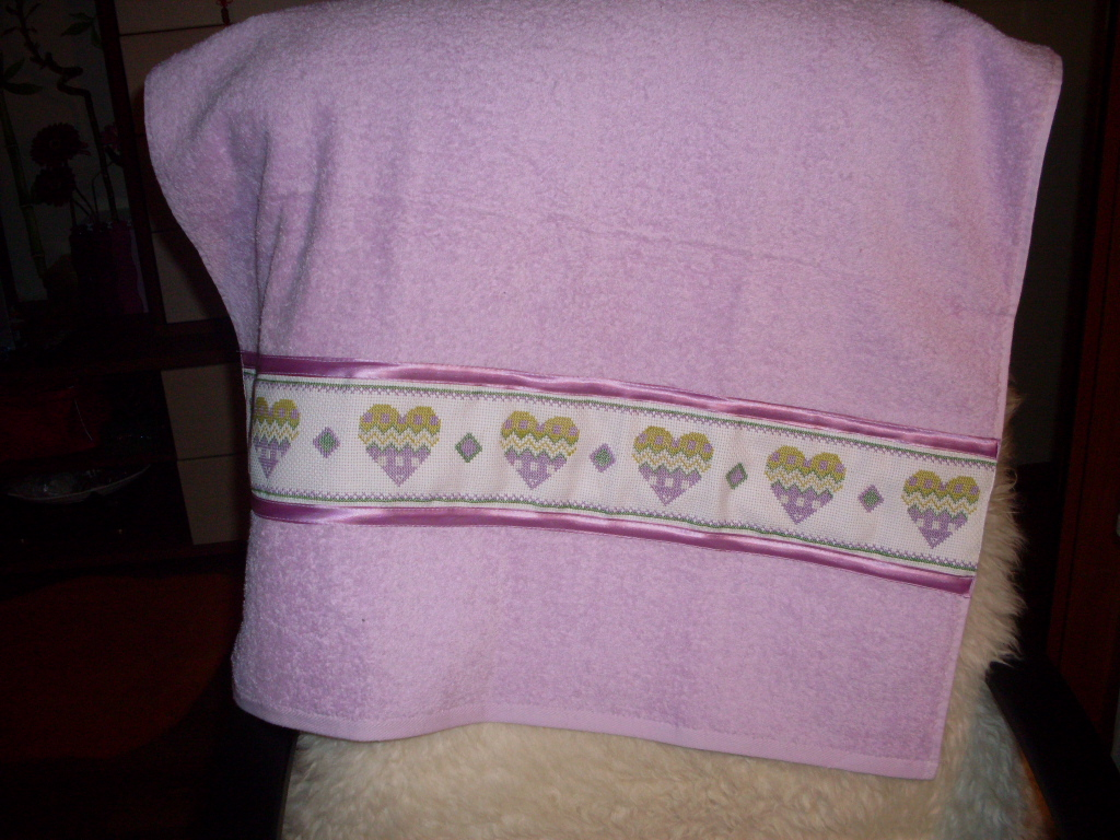 Оформляем полотенца вышивкой