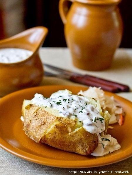 Невероятно вкусный печеный картофель с селедочным соусом!