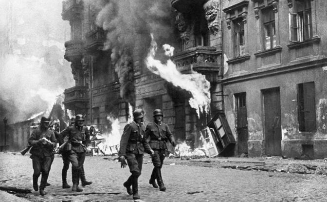 Варшавское восстание: Разгро…