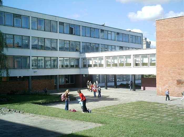 Школа Лаздинай. /Фото:interbahus.livejournal.com