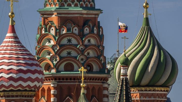 Не ради России, а ради лайка. Как глумление над гербом, флагом и гимном стало поводом для хайпа