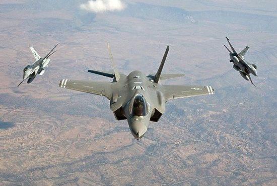 Американские СМИ: Россия доставила в Сирию новейшую систему ПВО. Эксперт: военный конфликт между Россией и США в Сирии возможен