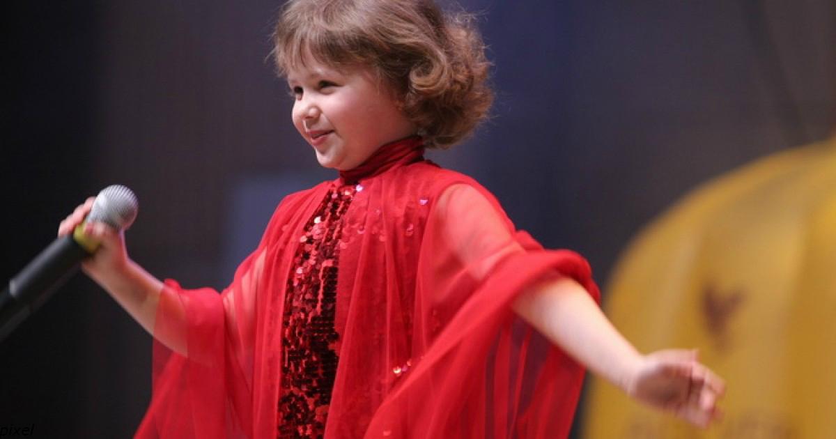 Внучка Лучано Паваротти исполнила еще один хит своего деда. Кажется, она круче него!