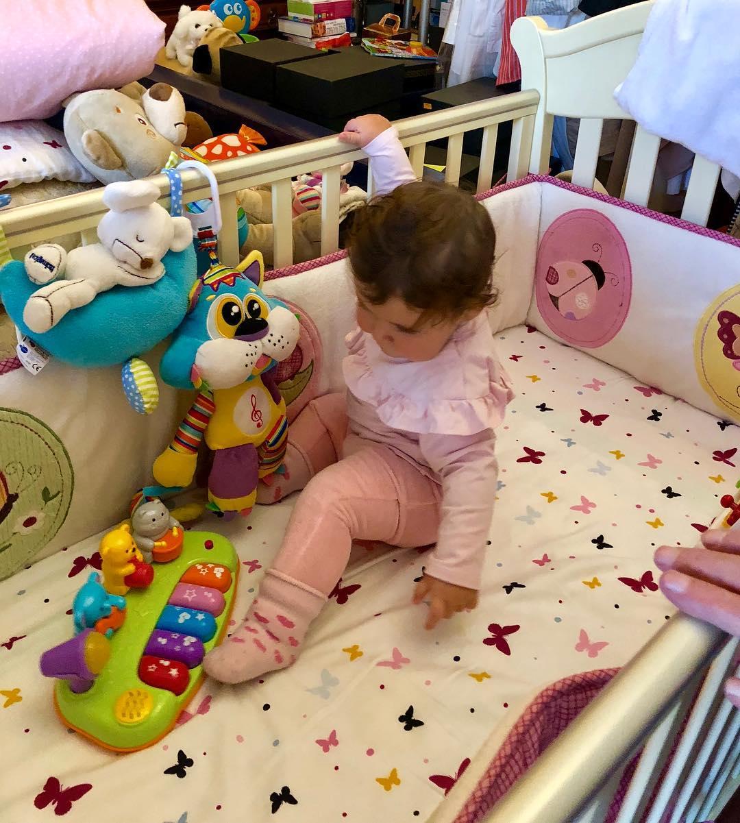 Крошке Этель Виторган исполнилось десять месяцев: артист поделился в сети умилительными фотографиями
