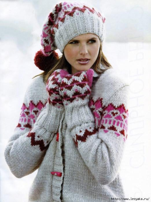 Модный женский комплект: шапка, варежки и кардиган спицами!
