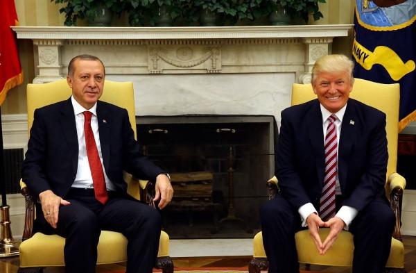 Трамп: Эрдоган дурак!
