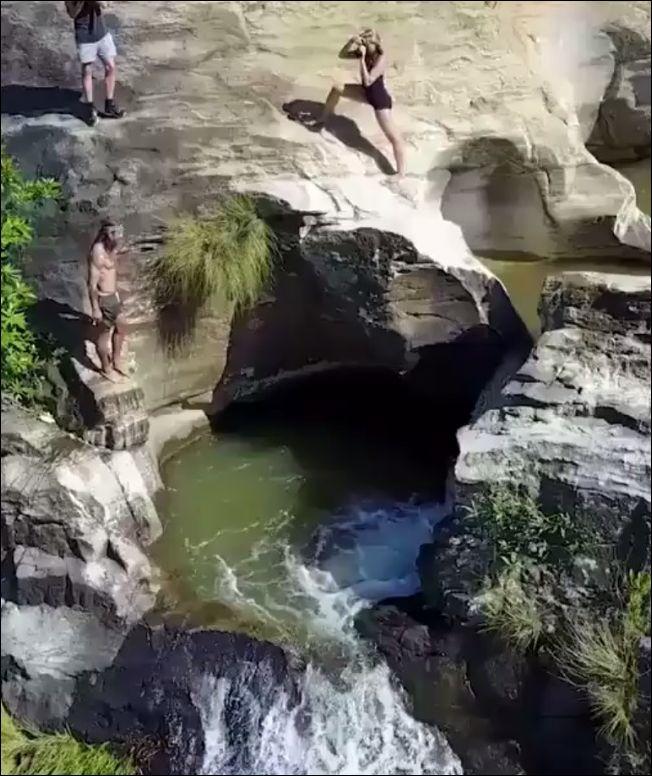 Водопад Диялума на Шри-Ланке
