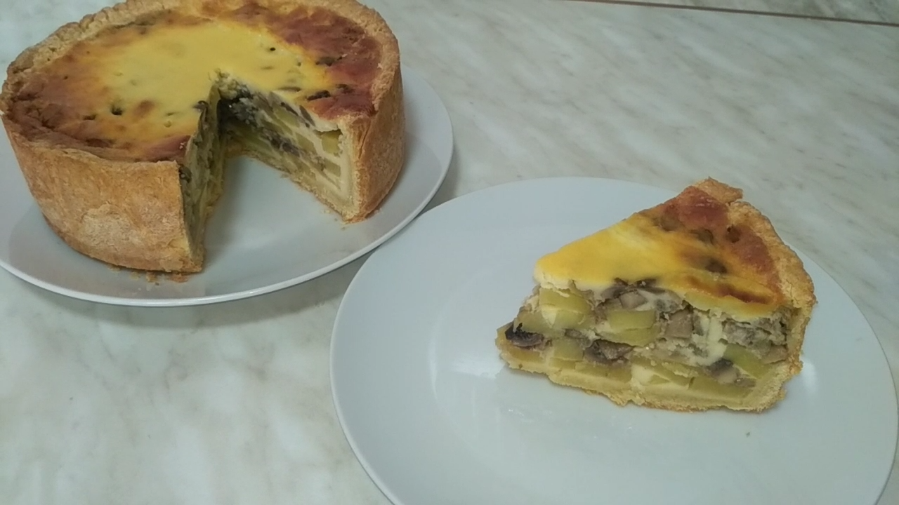 Пирог с картошкой и грибами