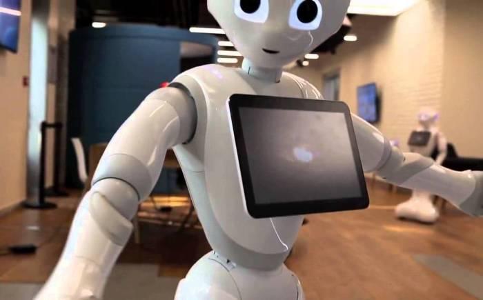 До чего роботехника дошла: электронные помощники