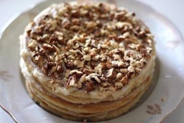 Безумно вкусный тортик за полчаса. По вкусу чем-то похож на «Рыжик» и «Наполеон» вместе взятые.
