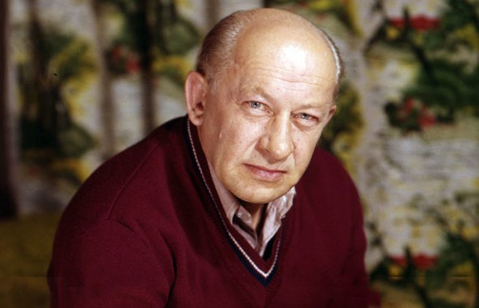 Счастье с третьей попытки: За что знакомые и родные осуждали Евгения Евстигнеева