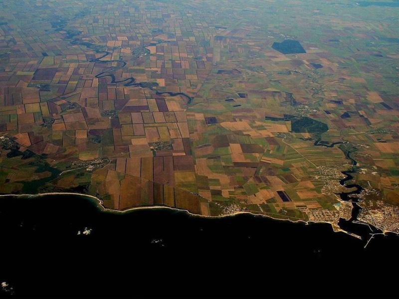 10 самых необычных государственных границ, которые можно найти на карте