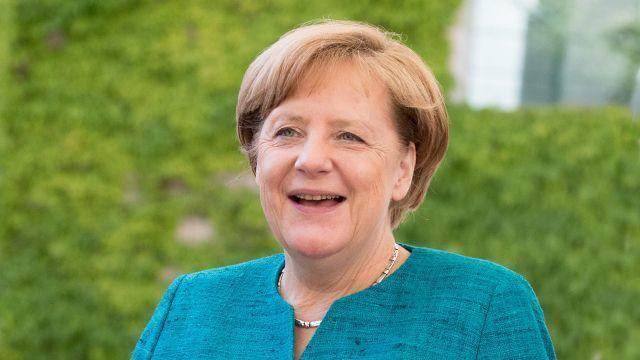 Нужно больше мигрантов: Меркель поддержала идею вдвое увеличить прием беженцев