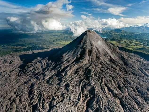 Японский вулкан пробудился спустя 250 лет «сна»