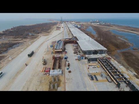 Путину доложили о строительстве Крымского моста с опережением графика