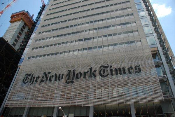 Американские СМИ разоблачили Порошенко в грабеже украинской армии