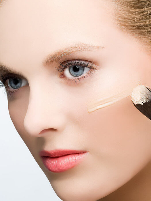 Как стать моложе на 10 лет с помощью макияжа: 10 лучших приемов
