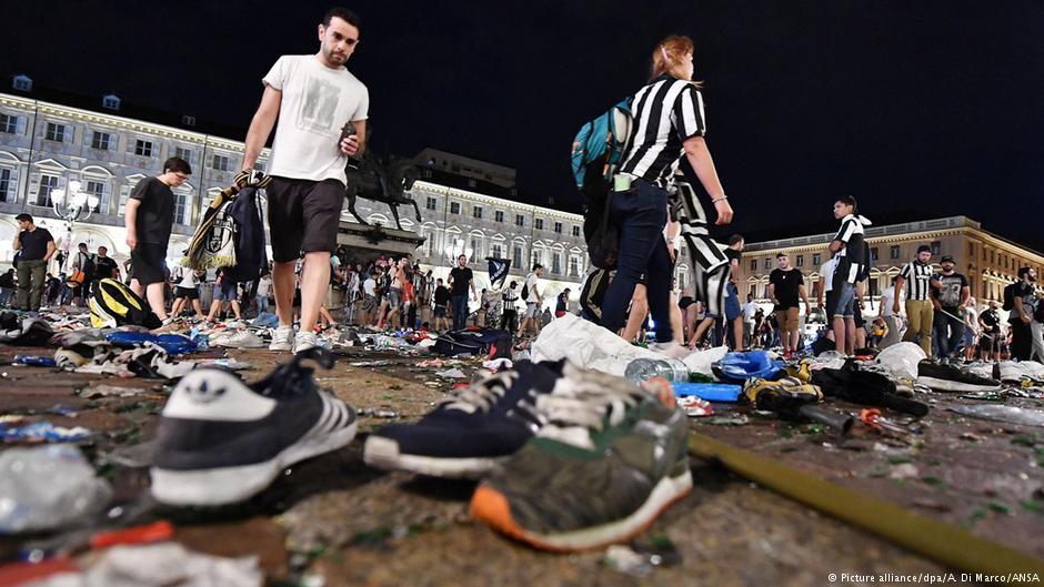 Около 600 фанатов Ювентуса пострадали в давке