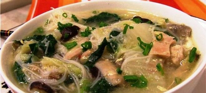 суп с пекинской капустой и курицей