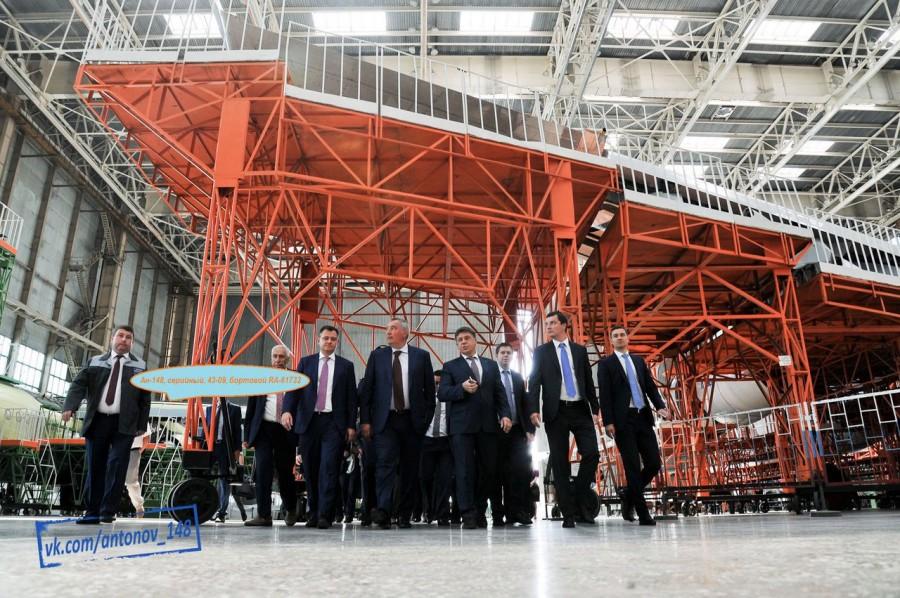 Последние четыре Ан-148-100Е и двигатели Д-436-148 для ВКС России в цехе окончательной сборки ВАСО