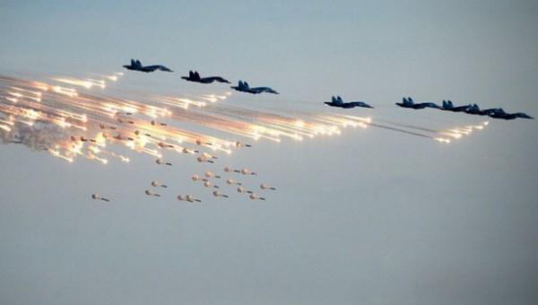 Российская авиация уничтожает штаб протурецких боевиков