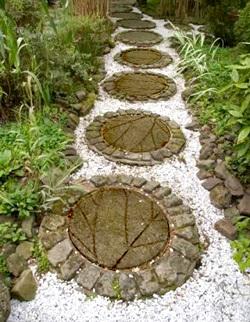 МАСТЕРИЛКА. Плитки для садовой дорожки