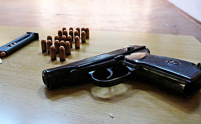 Пистолет Сердюкова отправит …