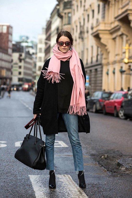 35 идей, как носить шарф в этом сезоне фото №27