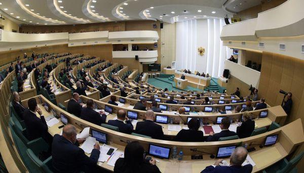 Россиян предложили наказывать за неуважение к государству в интернете
